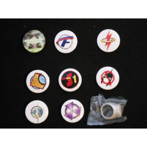 DC FLASHPOINT PIN AND RING LOT OF 9 SUPERMAN AQUAMAN GREEN LANTERN