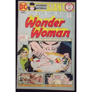 WONDER WOMAN #217 FN/VF 68PG GIANT-SIZE